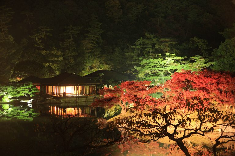 栗林公園 秋ライトアップ
