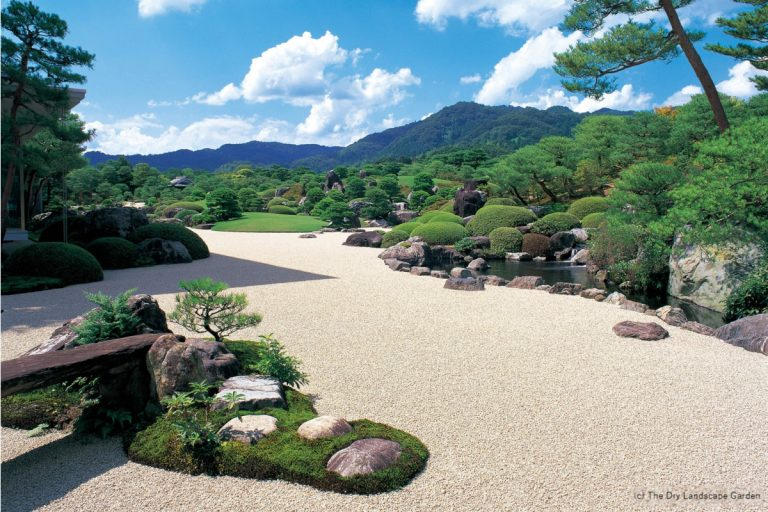ADACHI MUSEUM OF ART (c) The Dry Landscape Garden